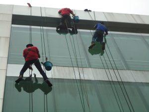 pembersih kaca gedung bandung